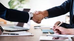 In loc sa ajunga sa se judece cu clientii, bancile romanesti sunt tot mai dispuse la negociere prin intermediul CSALB
