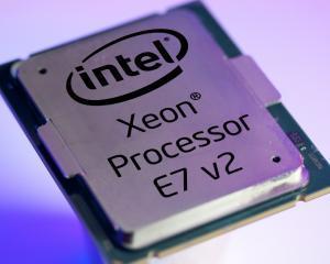 Intel mai face un pas spre Internet of All Things, cu ajutorul Intel Xeon E7