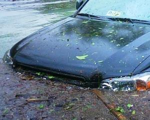 Inundatiile din Romania: Peste 500 de kilometri de drumuri au fost distruse
