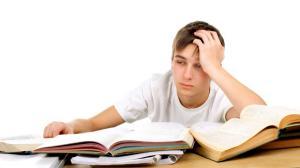 Paradoxul invatamantului romanesc: Profesori cu nota 2