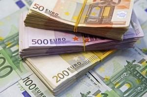 Tensiunile comerciale au redus cu 80% investitiile chineze in Europa