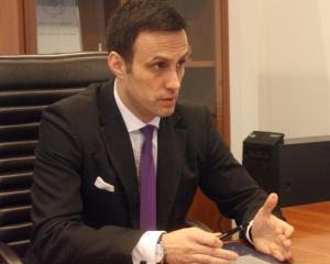 Noua conducere a ASF promite ca va pune accentul pe protectia consumatorilor