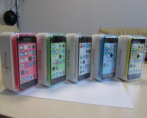 Koyos.ro a adus si iPhone 5c