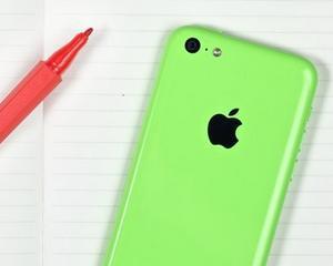 Apple lanseaza un iPhone 5C mai ieftin, cu memorie interna de 8 GB
