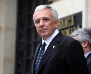 BNR a facut publice veniturile anuale ale guvernatorului Isarescu