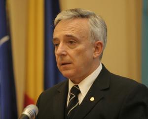 Isarescu vede interesanta ideea unui Guvern demis daca acesta nu atinge tintele de crestere economica