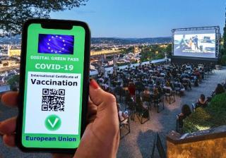 Italia adopta una dintre cele mai dure legi anti-pandemie din lume: Toti angajatii, obligati sa aiba pasaport digital. Altfel, risca sa nu isi primeasca salariile, sa fie suspendati sau amendati