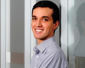 INTERVIU Iulian Dragan, romanul care vrea sa revolutioneze comertul electronic pe Facebook