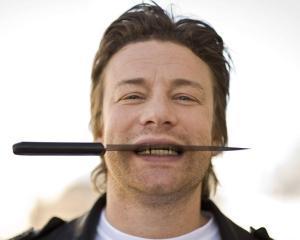 Bucatarul Jamie Oliver: Saracii nu prea stiu sa manance ieftin