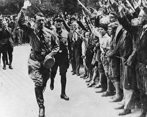 JFK si admiratia lui fata de dictatorul nazist Adolf Hitler