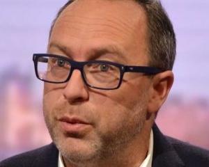 "Jimmy Wales se opune ""dreptului de a fi uitat"""