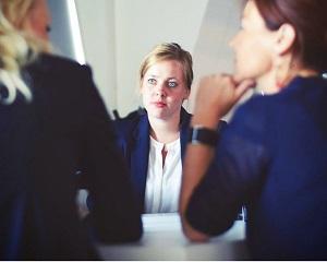 3 intrebari complet irelevante in cadrul interviului de angajare