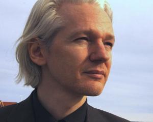 Assange: Care Rusia? Care Crimeea? America a anexat intreaga lume prin programele sale de supraveghere