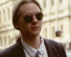 Julian Assange: Pot dormi la nesfarsit pe canapeaua de la ambasada