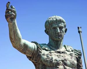 1 ianuarie 45 i.Hr - Este introdus calendarul Iulian