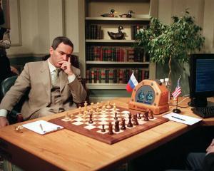 LECTIA DE MANAGEMENT: Enigma lui Kasparov