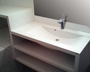 Ce-si mai cumpara romanii pentru baie: Lavoare personalizate de culoare alba