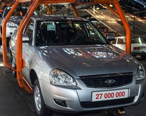 Renault va prelua Lada si va disponibiliza 7.500 de angajati