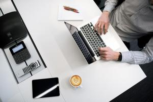 Care sunt schimbarile pe care le poti face pentru a fi mai productiv la locul de munca