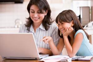 10 job-uri pentru care poti lucra de acasa