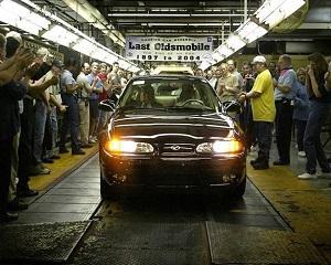 29 aprile 2004: este produs ultimul autovehicul Oldsmobile