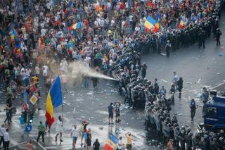 Coordonatorul jandarmilor de la protestul din 10 august a fost numit inspector sef. Lider PNL: Domnul Cazan ar trebui sa zaca in puscarie
