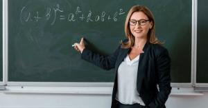 Legea PSD care acorda statut de autoritate publica profesorilor, atacata la CCR: E afectat grav dreptul de aparare al elevilor