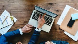 Persoana care conduce contabilitatea unei companii va trebui angajata cu norma intreaga