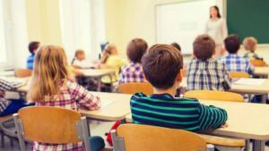 Reducerea numarului de ore la scoala va lasa someri peste 25.000 de profesori