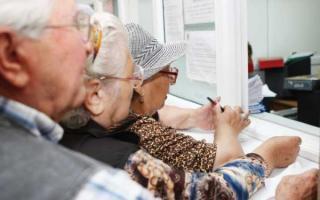 Majorarea pensiilor va ajunge pe masa CCR, daca PSD refuza marirea cu 14% propusa de PNL
