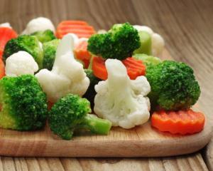 De la mustar de Tecuci la ... legume congelate
