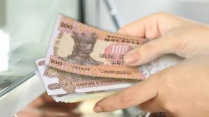Tranzactii cu lei moldovenesti in sucursalele Bancii Transilvania din sase orase din Romania