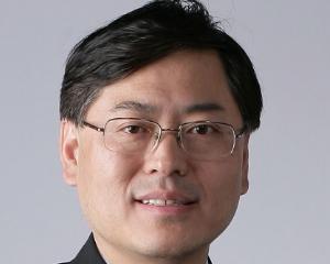 Lenovo finalizeaza preluarea diviziei de servere x86 de la IBM
