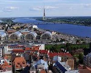 Letonia, a 18-a tara care trece la euro