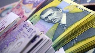Restantele in lei s-au majorat cu 3,4%, cele in valuta au scazut cu 3,7%
