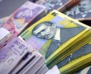 Creditele cresc, depozitele scad usor