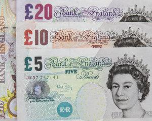 Ziua si maximum pentru dolarul american si lira sterlina