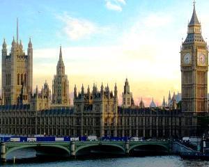 Tot mai multi romani lucreaza in Marea Britanie