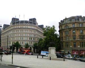Pretul mediu al caselor in Marea Britanie a ajuns la un nou record: Peste 300.000 de euro