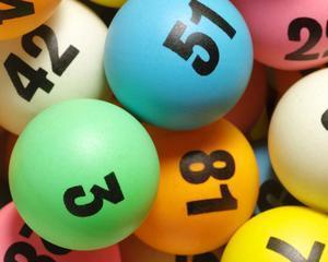 Studiu: Cei mai multi americani nu ar renunta la locul de munca, daca ar castiga la loterie