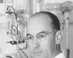 16 aprilie 1943: s-a descoperit efectul halucinogen al LSD-ului