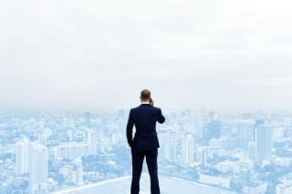 Provocarea anului 2021 pentru companii: Muncim din birou sau de acasa?