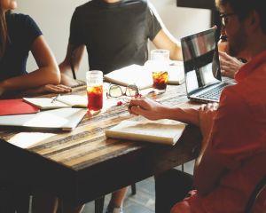 Reguli pentru plata zilierilor minori. Angajatorii trebuie sa cunoasca legea