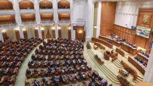 Orban cere parlamentarilor sa nu mai adopte nicio lege momentan. Motivul