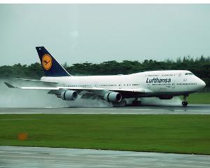 O greva a pilotilor Lufthansa anuleaza 750 de zboruri