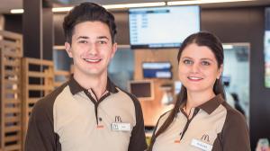 McDonald's ofera 1.000 de locuri de munca in Romania. Salariu de intrare: 3.500 de lei brut