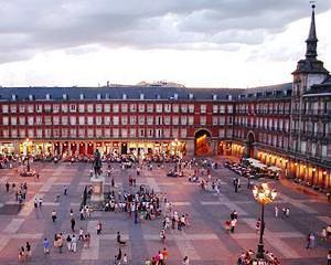 Tensiuni in Spania: Gunoierii din Madrid au declansat greva generala