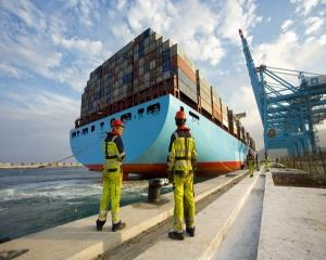 ANALIZA: Maersk, uriasul si marea