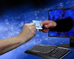 Magazinele online vor fi verificate temeinic de ANAF