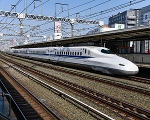 China testeaza trenul care merge cu 600 km/h